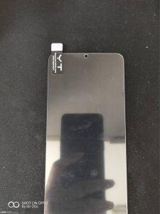 تصویری از محافظ نمایشگر Galaxy A8s