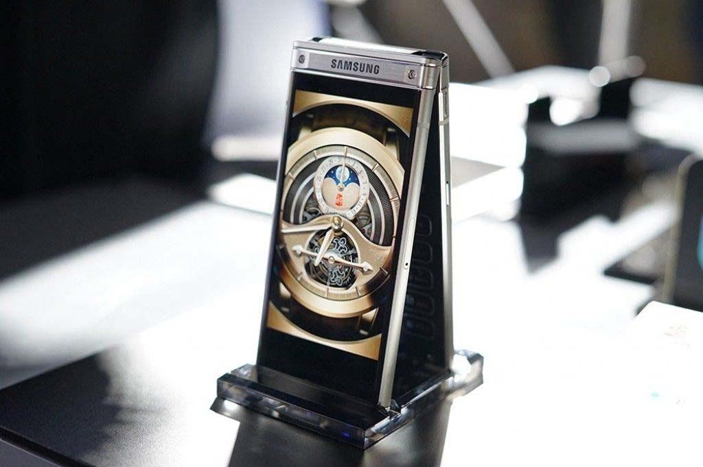 W2018: مدل سال پیشین گوشی تاشوی سامسونگ