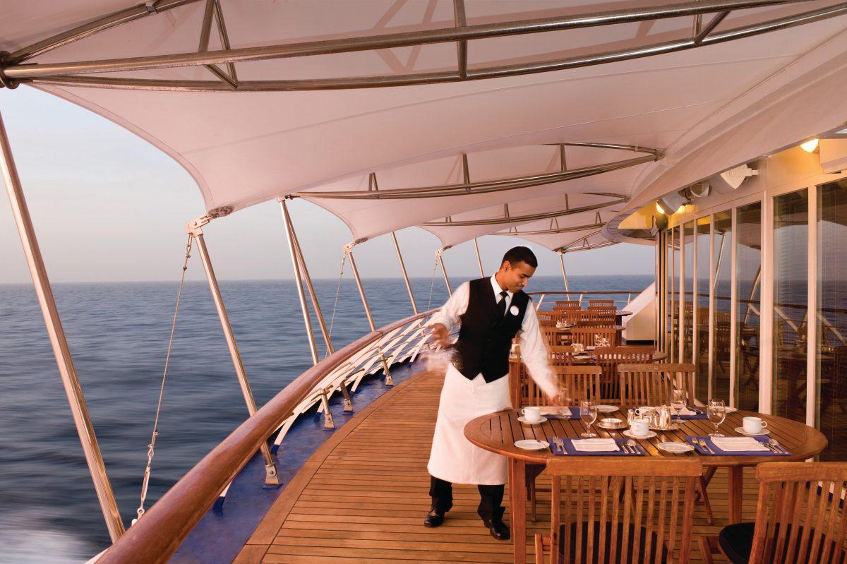 رستوران کشتی کروز