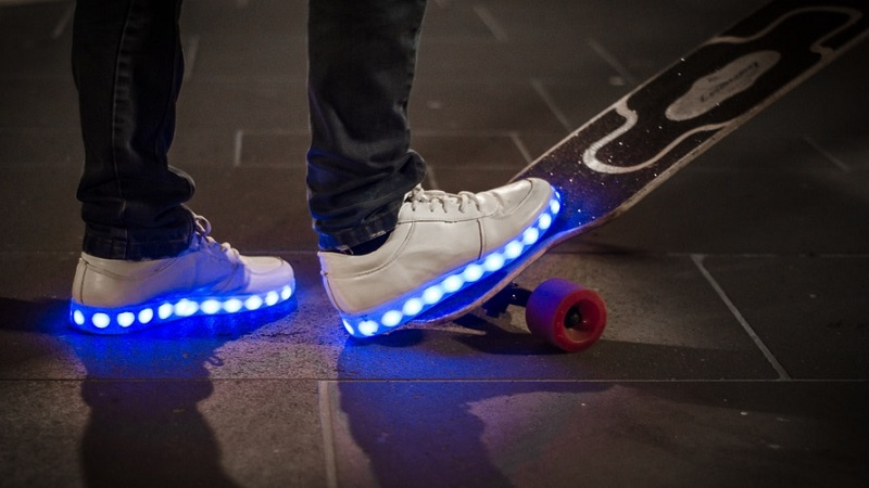 کفش های هوشمند آلفابت