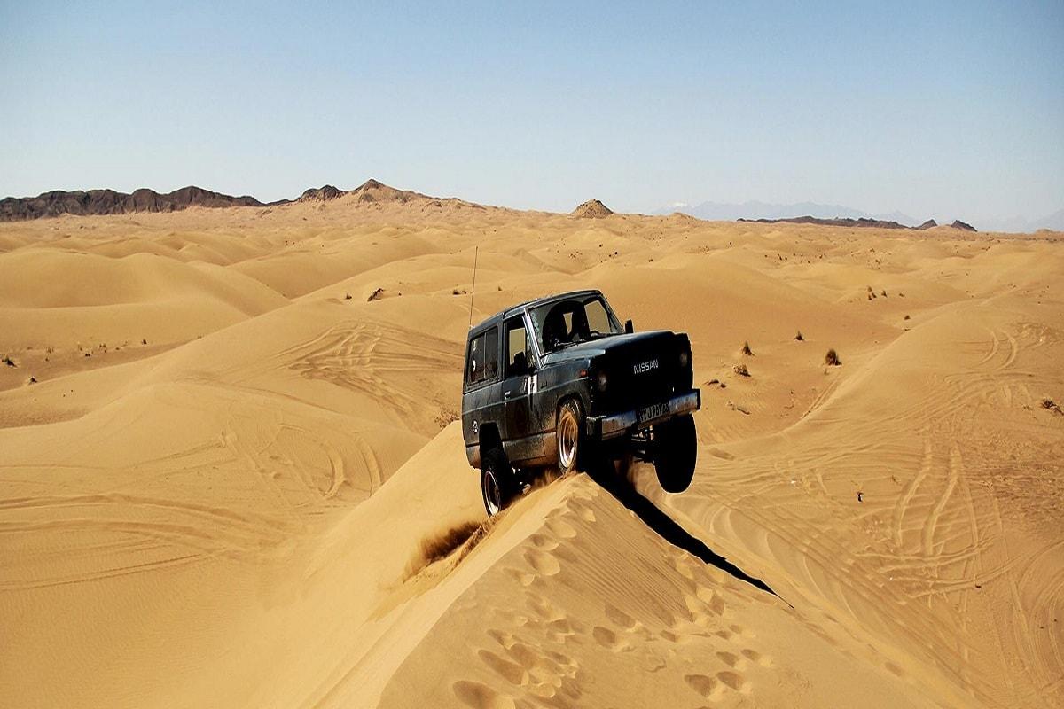 گردش در کویر مرنجاب