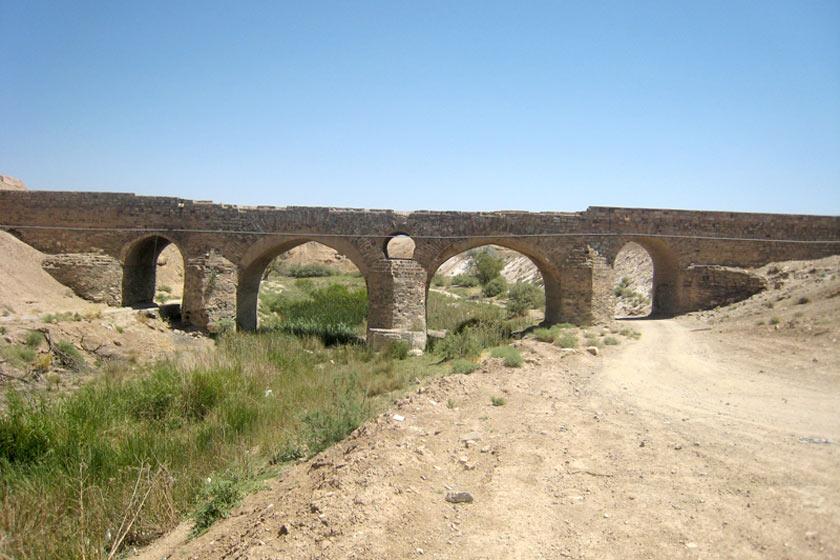 پل تاریخی باقرآباد