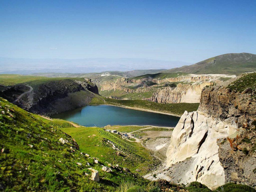 دریاچه های اساطیری