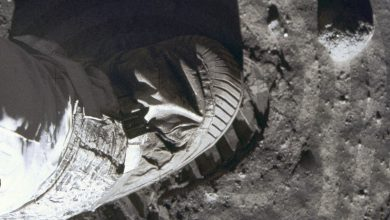 Photo of چطور بفهمیم فرود روی ماه افسانه نبوده و آپولو ۱۱ واقعا اتفاق افتاده؟