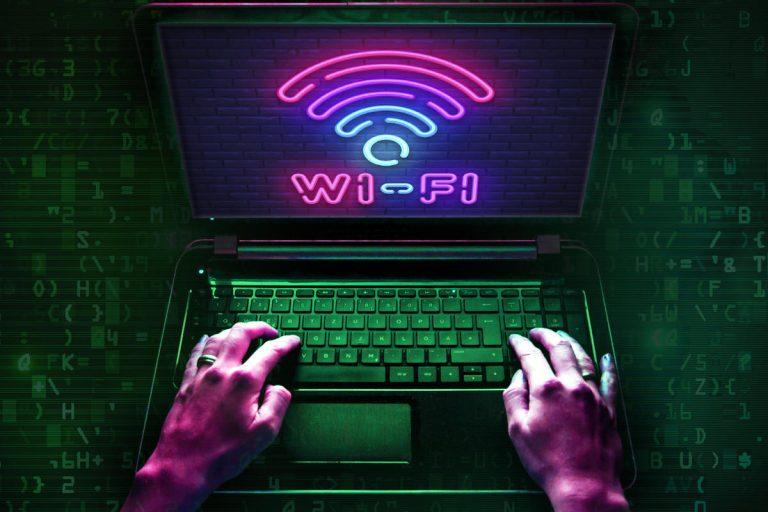 از کجا بفهمیم وای فای هک شده است؟ راه حل چیست؟